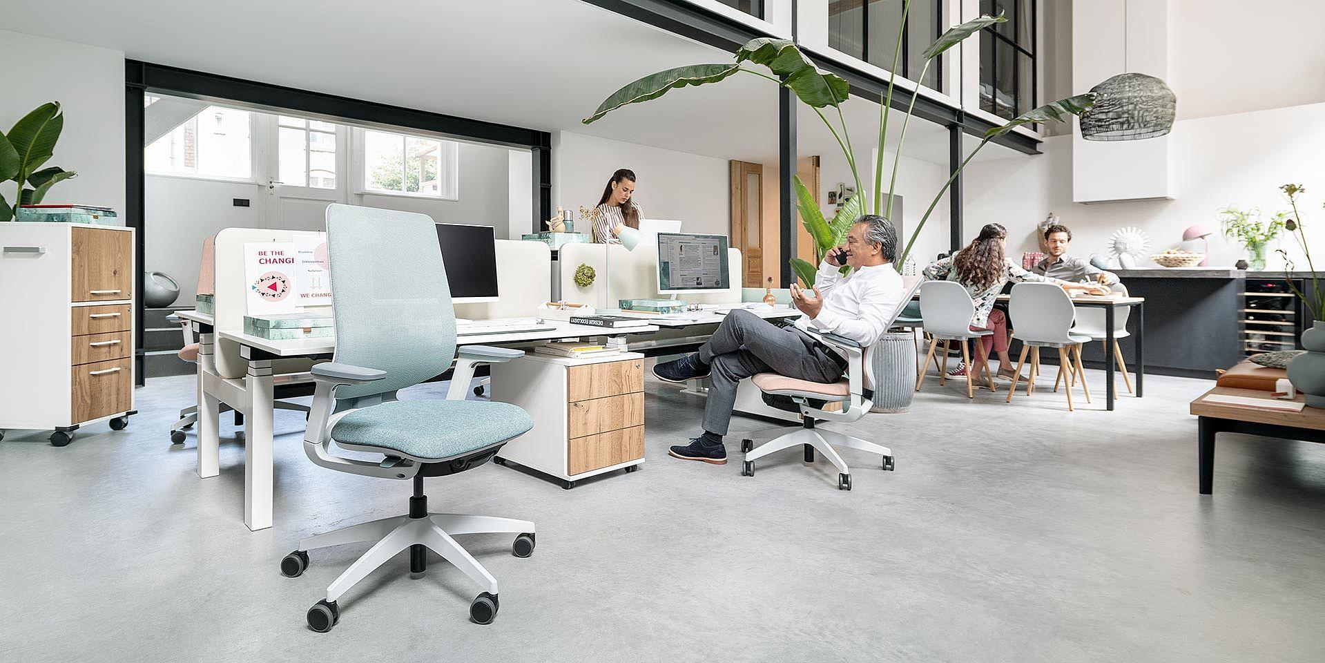 https://www.a4amenagement.com/wp-content/uploads/2020/01/ergonomie-fauteuil-travail.jpg
